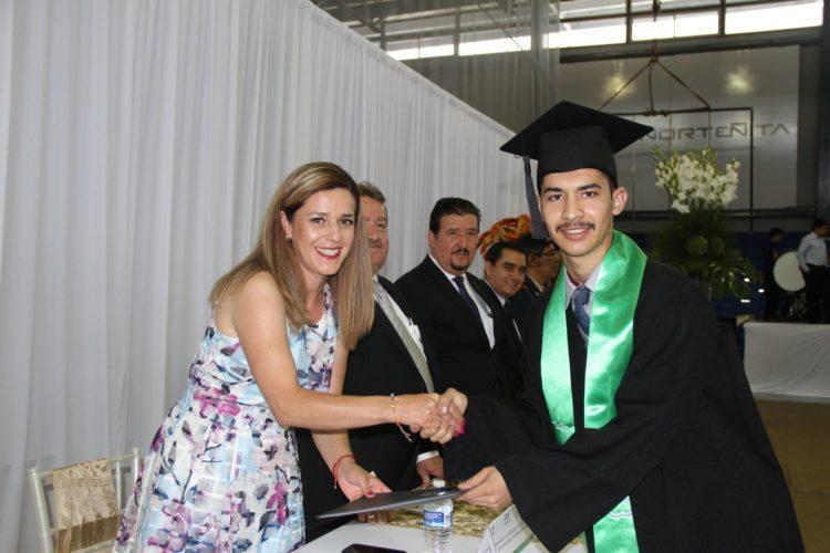 Unidad Académica de Cuauhtémoc realiza graduación