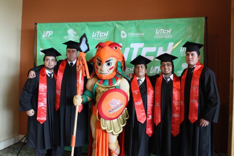 Celebra UTCH graduación de TSU e Ingeniería.