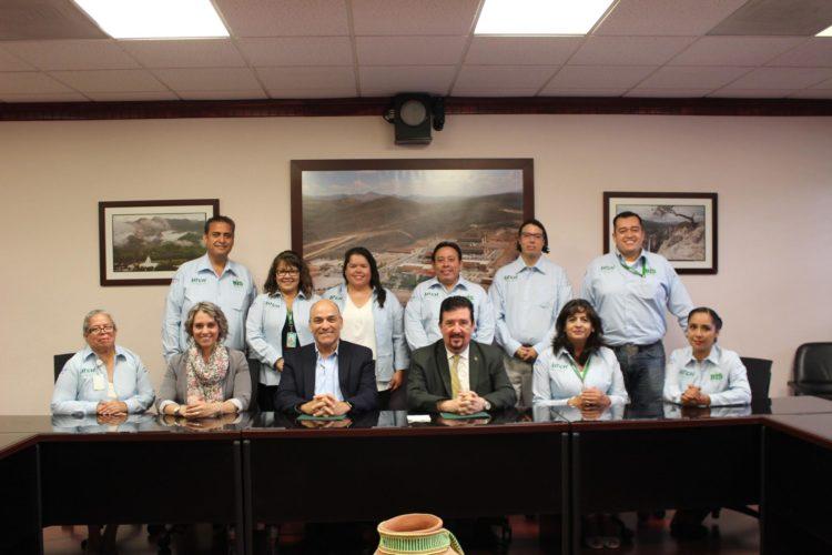Se reune el secretario de educación y deporte Pablo Cuaron con docentes.