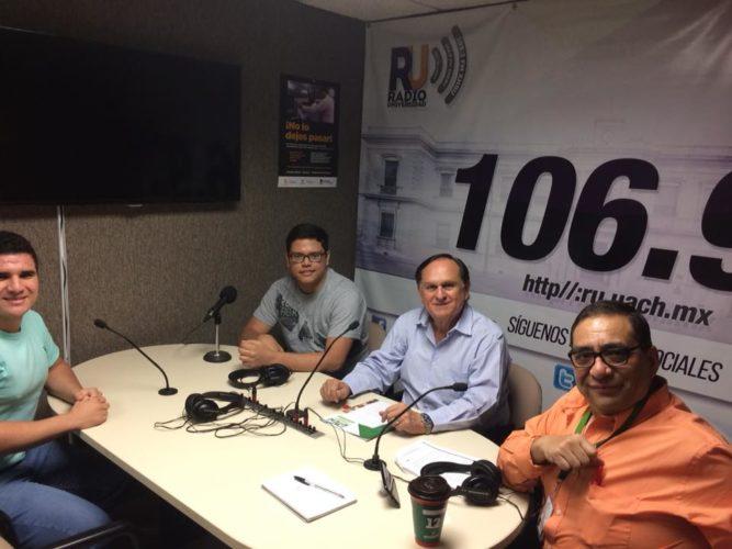 Visitan alumnos de TICS cabina de Radio Universidad