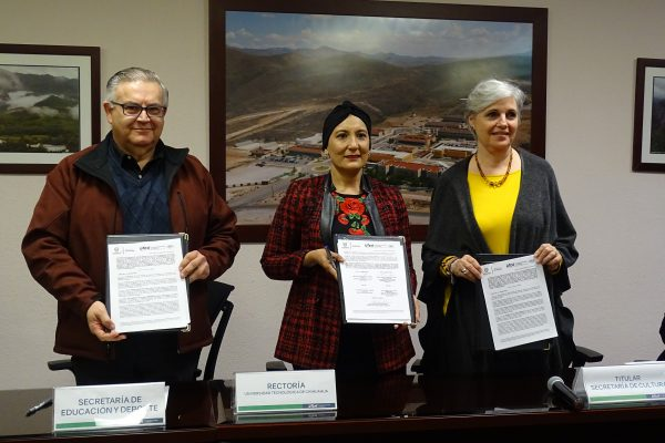 FIRMAN CONVENIO PARA IMPULSAR EL CRECIMIENTO CULTURAL Y PROFESIONAL DE ESTUDIANTES DE UTCH