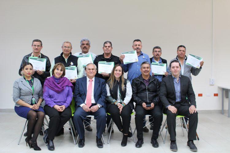 PERSONAL DE LA UTCH IMPARTE EN EL CONGRESO DEL ESTADO DE CHIHUAHUA CURSO DE ELECTRICIDAD